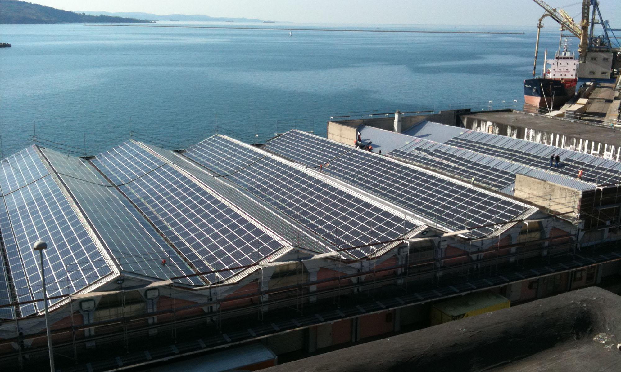 2010 • Impianto fotovoltaico 9,6MW su tetto